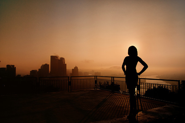 Sunrise over Pittsburgh - High School Senior Portrait Tip